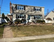 743 Woodside  Drive, Wantagh image