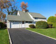 27 Eve  Ln, Levittown image