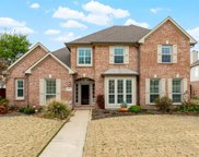 3572 Twelve Oaks Lane, Grapevine image