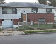 554 Northern  Pkwy, Uniondale image