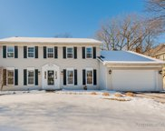 162 Hedge Court, Glen Ellyn image