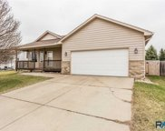 808 S Tayberry Ave, Sioux Falls image