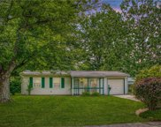 861 Edgewood  Drive, Mooresville image