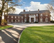 11 Mansion Hill  Drive, Muttontown image