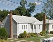 12 Waters Ave, Hicksville image