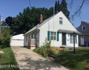1025 Kentwood Drive Ne, Grand Rapids image