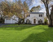 240 Old Mill Rd, Manhasset image