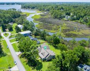 556 Groves Point Drive, Hampstead image