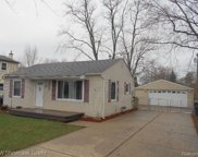 2626 HESSEL, Rochester Hills image