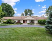 6 Chapel Hill, Town and Country image