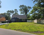 16 Timber Point  Road, East Islip image