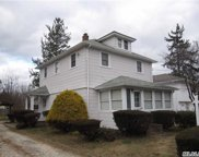 26 Walters Ave, Syosset image
