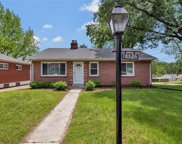 10326 Pineview, Overland image