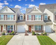864 Summerlake  Drive, Fort Mill image