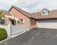 4939 Meadow Run Drive, Hilliard image