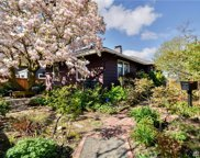 561 NE 92nd St, Seattle image