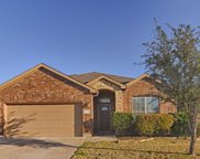 716 Middle Glen Court, Fort Worth image