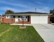 33218 Groth Dr, Sterling Heights image