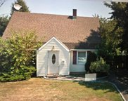 459 Gardiners Ave, Levittown image