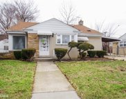 7011 North Crawford Avenue, Lincolnwood image