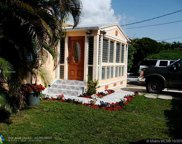 9324 Abbott Ave, Surfside image