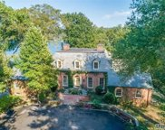 30 Cove Woods  Road, Oyster Bay Cove image