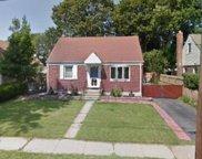 821 James  Place, Uniondale image