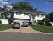 237 Gibson  Avenue, Brentwood image