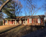 2 White Plains, Chesterfield image