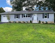 16 Barry  Place, Trumbull image