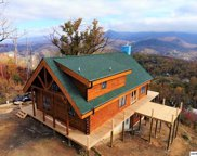 827 Leisure Ln, Gatlinburg image