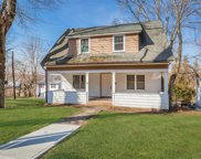 259 Woodbine Ave, Northport image