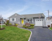 3161 Cherrywood Dr, Wantagh image