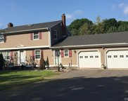 385 Mill Road, North Haven image