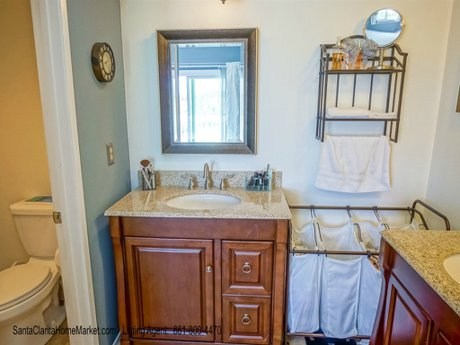 22805 Acacia Ct Santa Clarita CA 91390_master bathroom