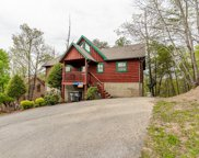 1643 Raccoon Den Way, Sevierville image