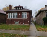 8021 South Clyde Avenue, Chicago image