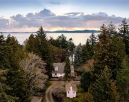 2254 Arbutus  Rd, Saanich image