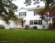 898 Roundtree Drive, Toms River image