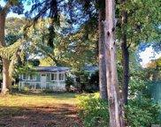 63 Maplewood  Avenue, Selden image