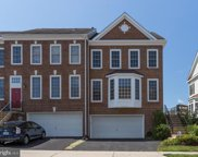 26060 Nimbleton   Square, Chantilly image