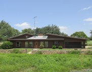 671 County Road 422, Dhanis image