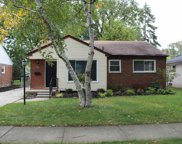 22827 Carolina, Saint Clair Shores image