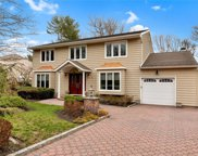 8 Long Acre  Lane, Dix Hills image