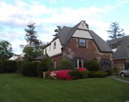 88 Surrey  Lane, Hempstead image