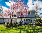10 Frost Pond  Road, Greenlawn image
