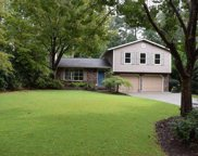 6968 Lakeview Lane, Peachtree Corners image
