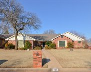 1101 Twisted Oak Drive, Midwest City image