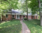 607 Pinebrook  Drive, Town and Country image
