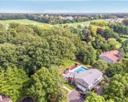 28 Wedgewood Dr, Dix Hills image